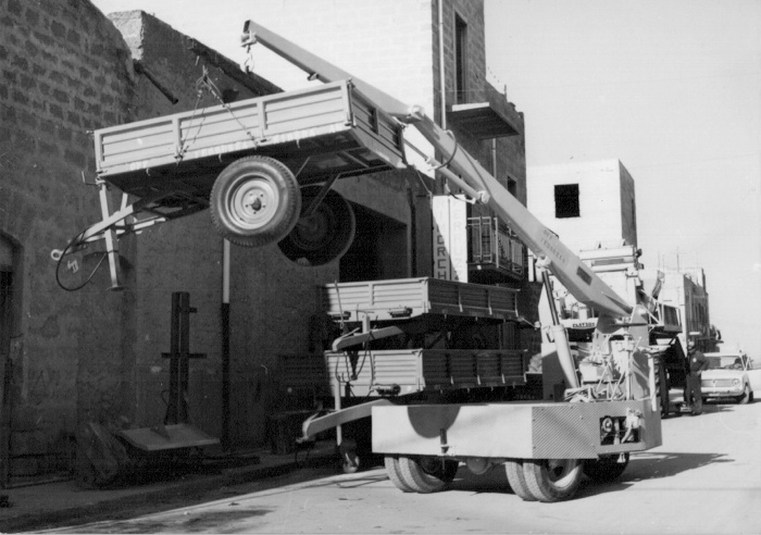 Operazioni di carico - Vecchia sede in Via Orfanotrofio (anno 1965)