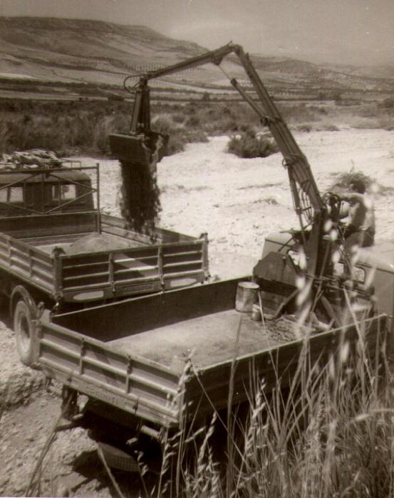 Caricatore articolato in funzione (anno 1961)