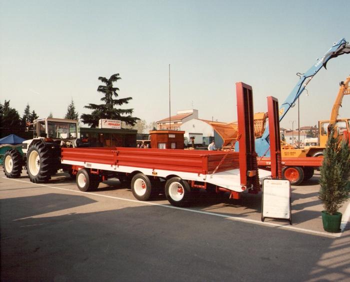 Primo treno agricolo omologato con impianto di frenatura idraulica mista/automatica (Fiera Agricola di Verona 1990)